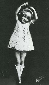 Baby June performing circa 1916.